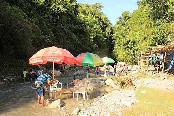 Robbers-cave-dehradun-guchhupani