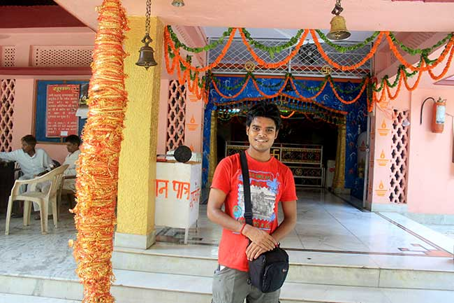 inside-the-laxman-sidd-temple-dehradun